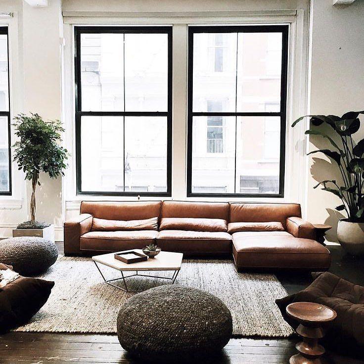 Leather  Black Window Frame = Success | Cuero  Marco Negro de Ventana = Éxito #diseñodeinteriores #interiordesign #inspiracion #movler