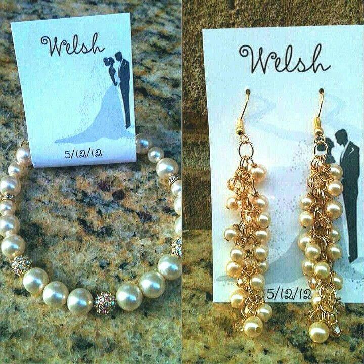 Bridal party wedding bracelet and earring set #bridalpartyjewelry #handmadejewelry
