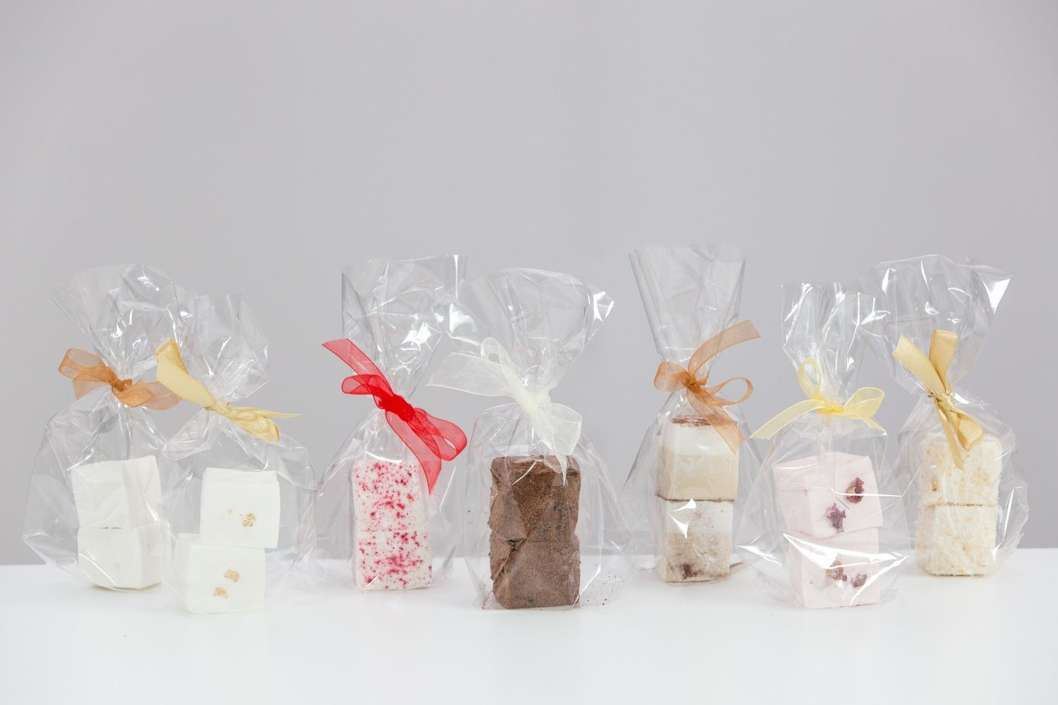Artisan marshmallow wedding favours in the most amazing