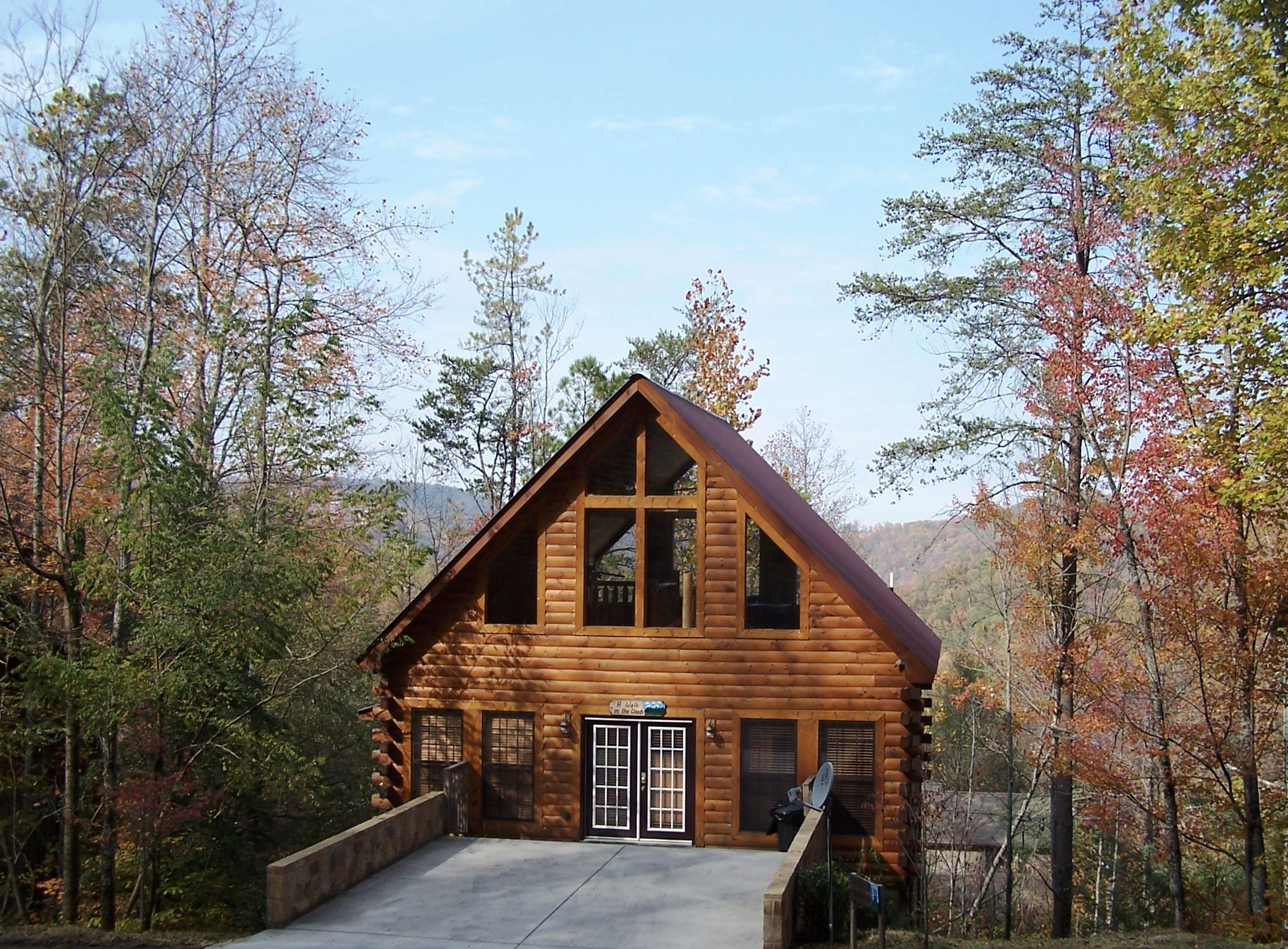 Large Gatlinburg Cheap Cabins Romantic Hunting Gaming Castle In Sky Garden Eden 4 Story High Usa