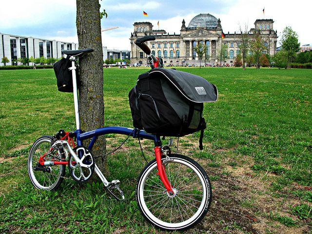 Brompton S1e With C Bag Brompton Bicycle Urban Bicycle Brompton