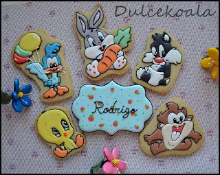 Dulcekoala Decorated Cookies ... and other sweets ...: DECORATED COOKIES AND OTHER     http://dulcekoala.blogspot.com.es/