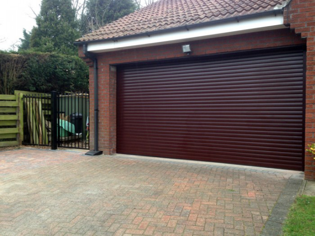At Dt Services Hull We Are Specialists In Roller Shutters And Automatic Door Systems Covering The East Riding Of Yorks Roller Shutters Automatic Door Shutters