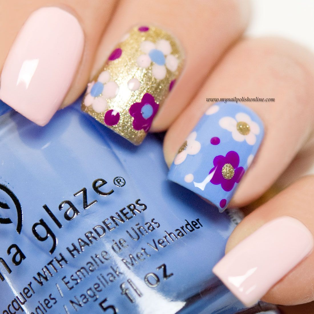 Nail Art with flowers | Capri, Nail nail and Manicure