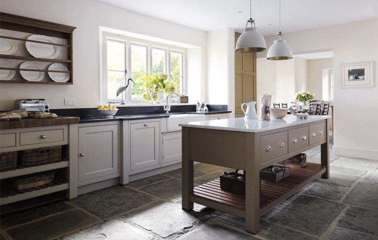 Country Vicarage - Handmade Kitchens | Traditional Kitchens | Bespoke Kitchens | Painted Kitchens | Classic Kitchens martin moore