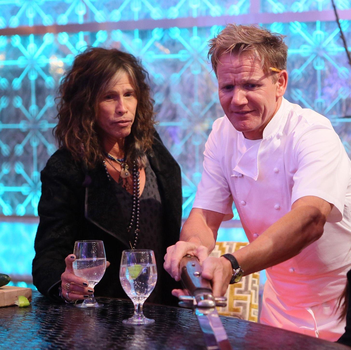 gordon ramsay and steven tyler talking knives in hell s kitchen