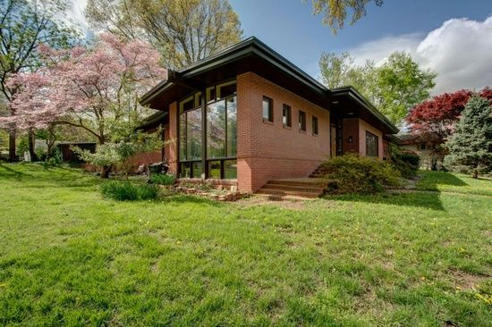 Excellent 2411 S Brentwood Blvd Springfield Mo 65804 Zillow Mid Download Free Architecture Designs Rallybritishbridgeorg