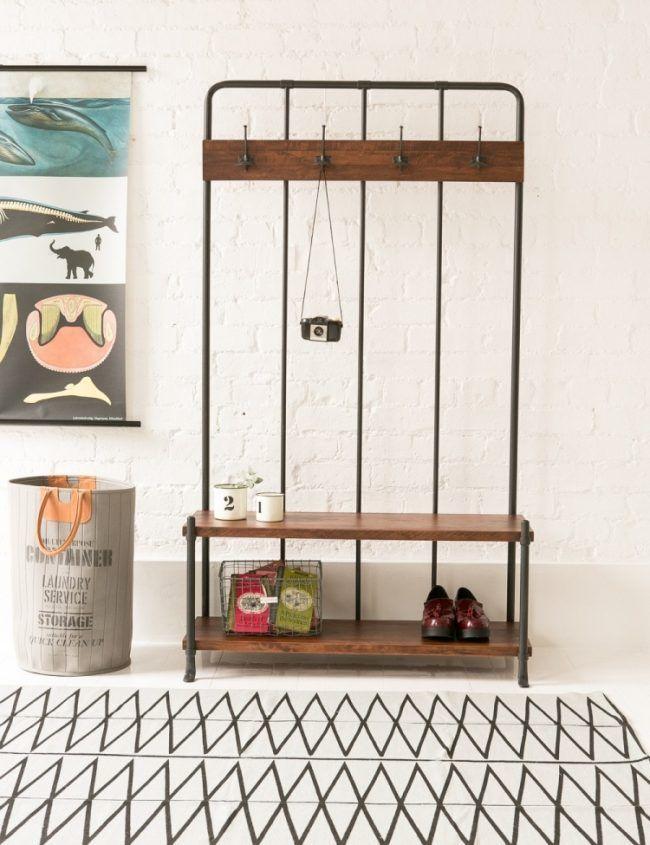 vintage-garderobe-flur-holz metall-stahl-haken-schuhregaleweiss - küchenspiegel aus holz