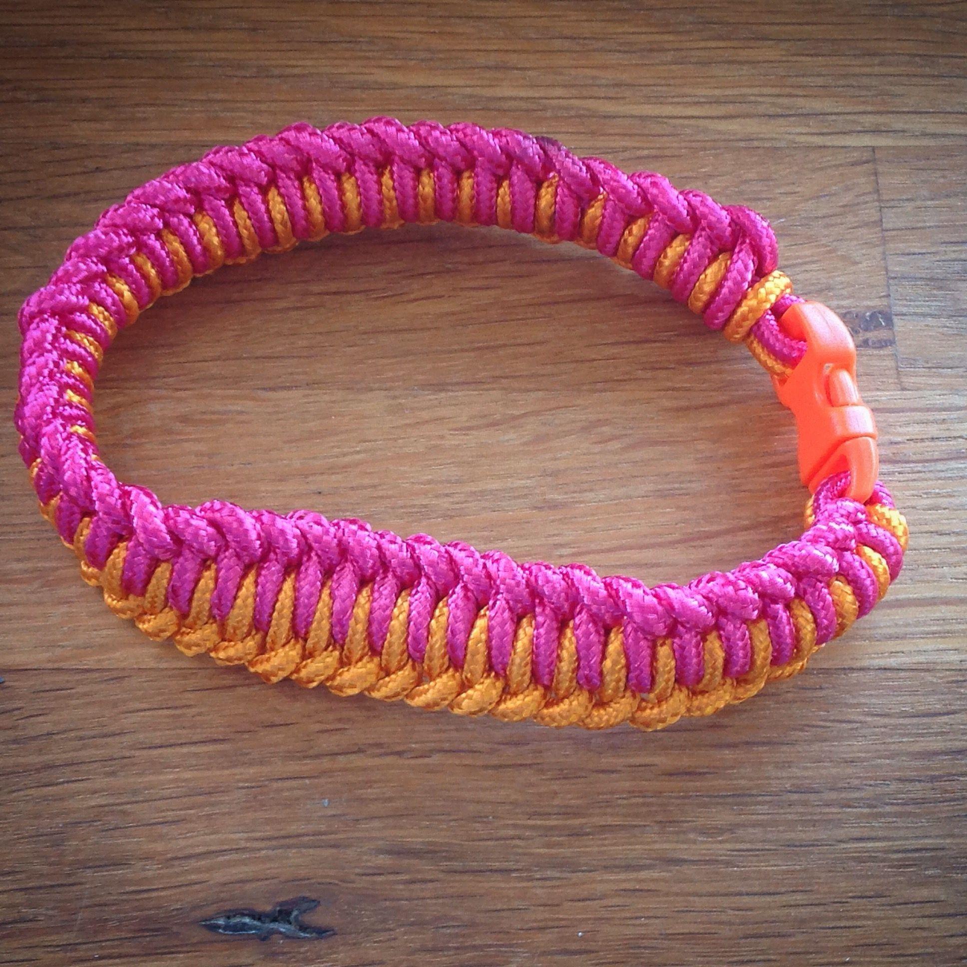 Vristband i somriga färger