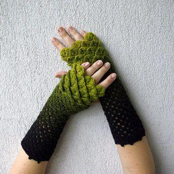Nette Armlinge Crochet Fäustlinge in grün schwarz Drachenei Muster ...
