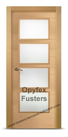 Puerta de madera con cristales para interior maciza modelo for Precio puertas interior madera maciza