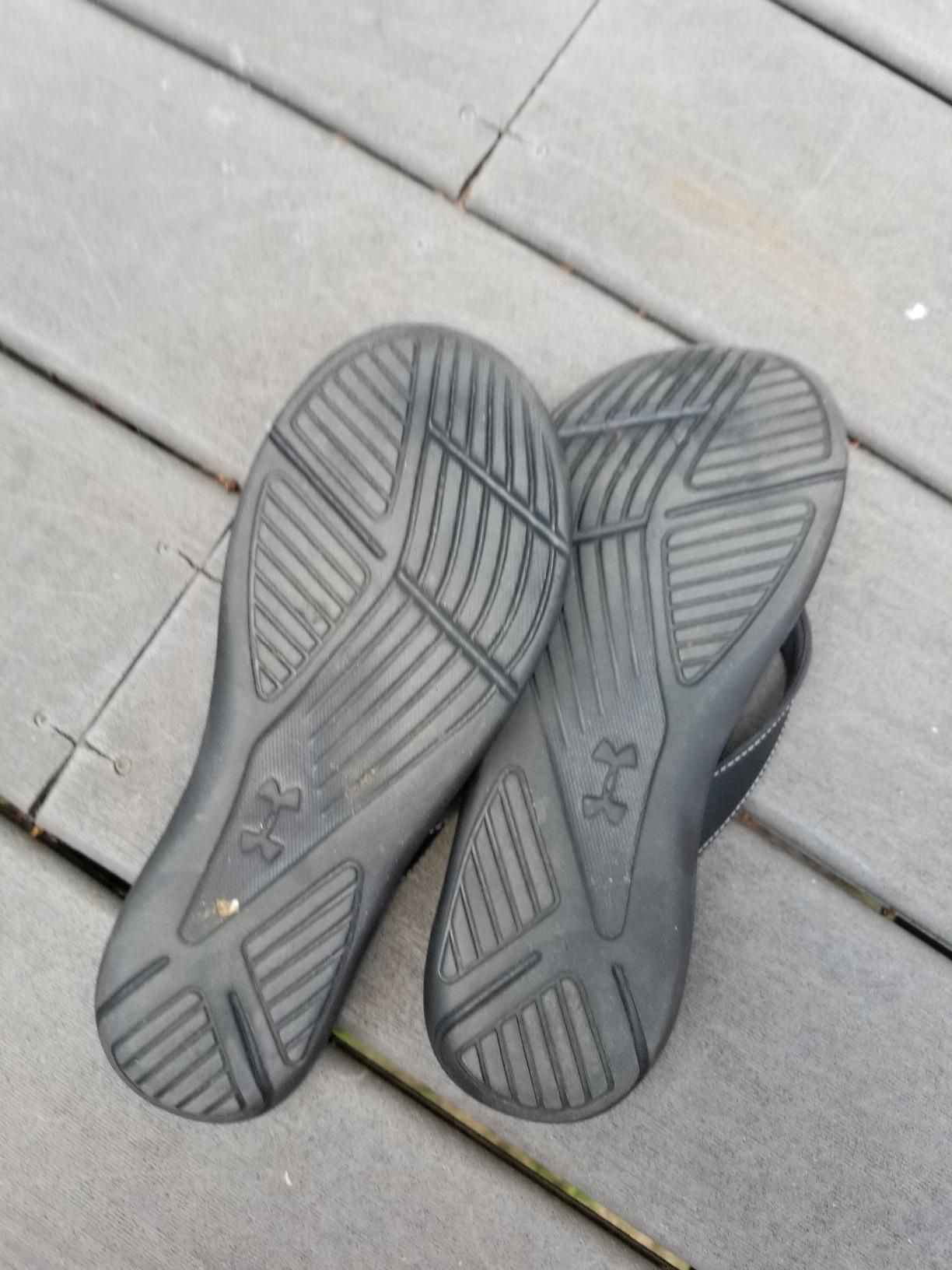 newest d2e35 a5499 Amazon.com   Under Armour Women s Marbella VI Thong Sneaker   Flip-Flops