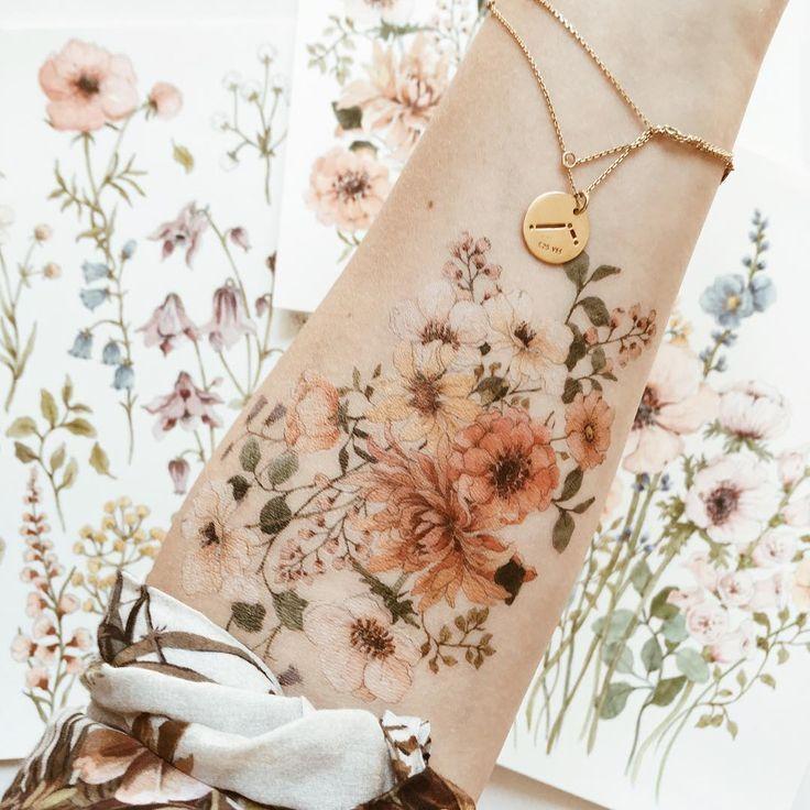 50 Arm Floral Tattoo Designs für Frauen 2019 - Seite 19 von 50 #tattoo - Flower Tattoo Designs - Blumen & Arrangements