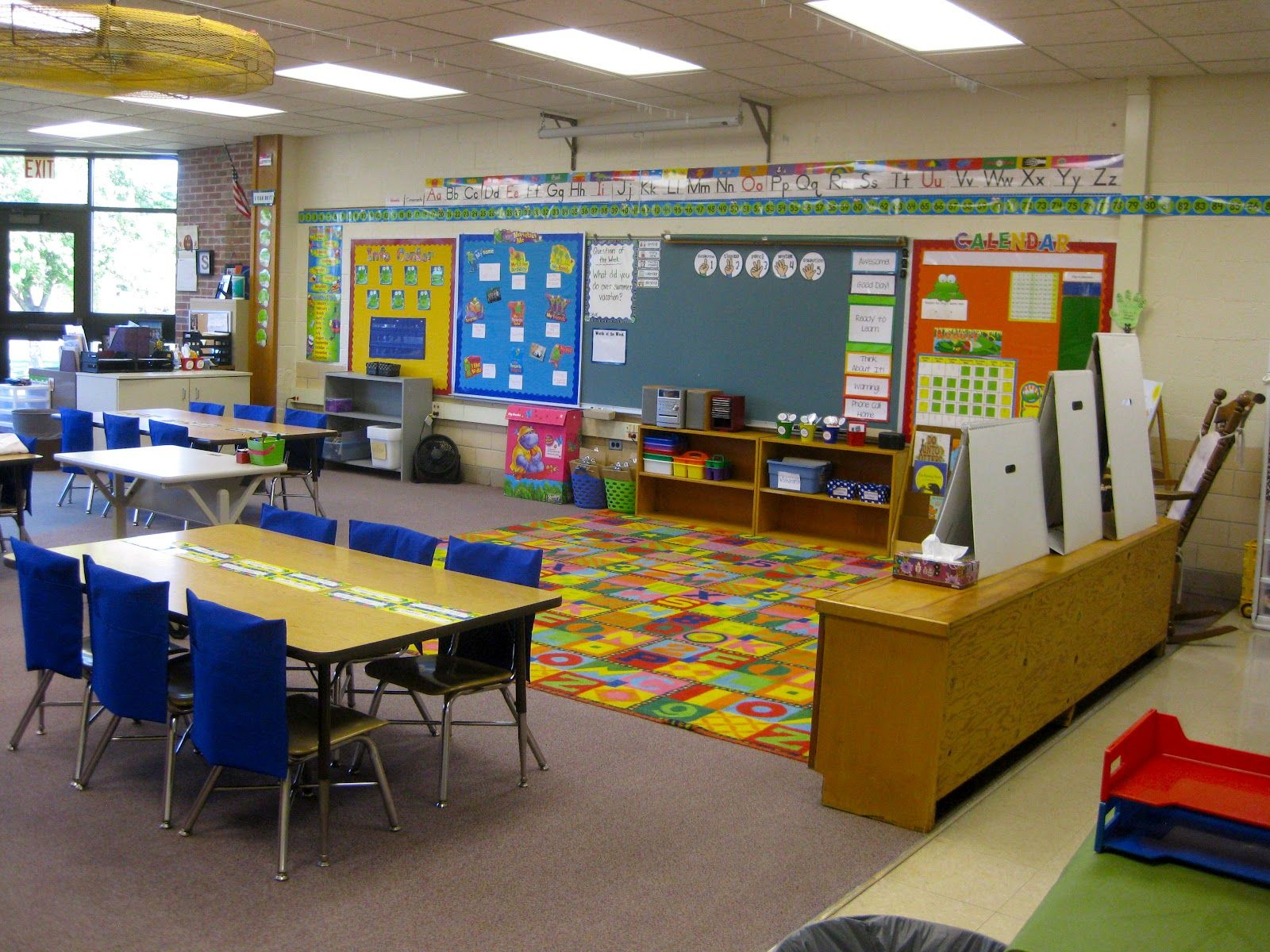Open Classroom Design ~ Lots of light colors open space perfect natural
