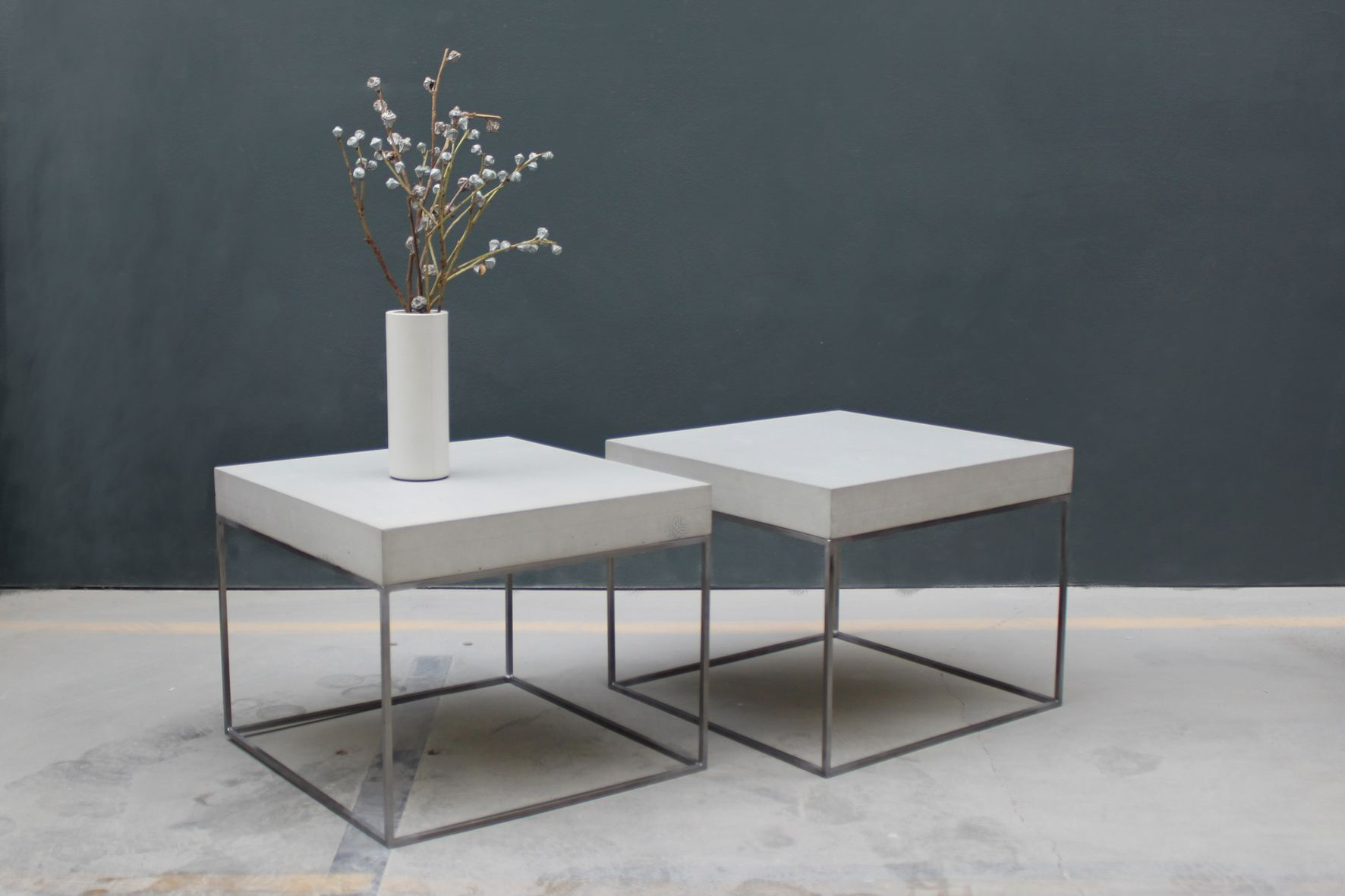 Betontisch Loungetisch Beistelltisch Wohnzimmer Esszimmer Handmade Industriallook Betonvase