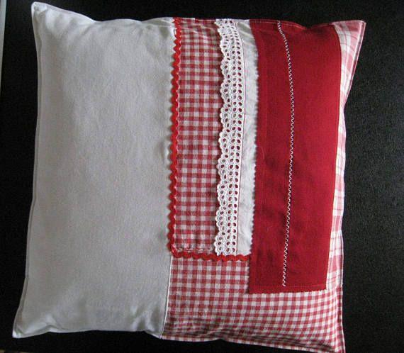 patchwork kissen kissenh lle 40x40 cm kissenbezug rot wei mit spitze und knopf. Black Bedroom Furniture Sets. Home Design Ideas