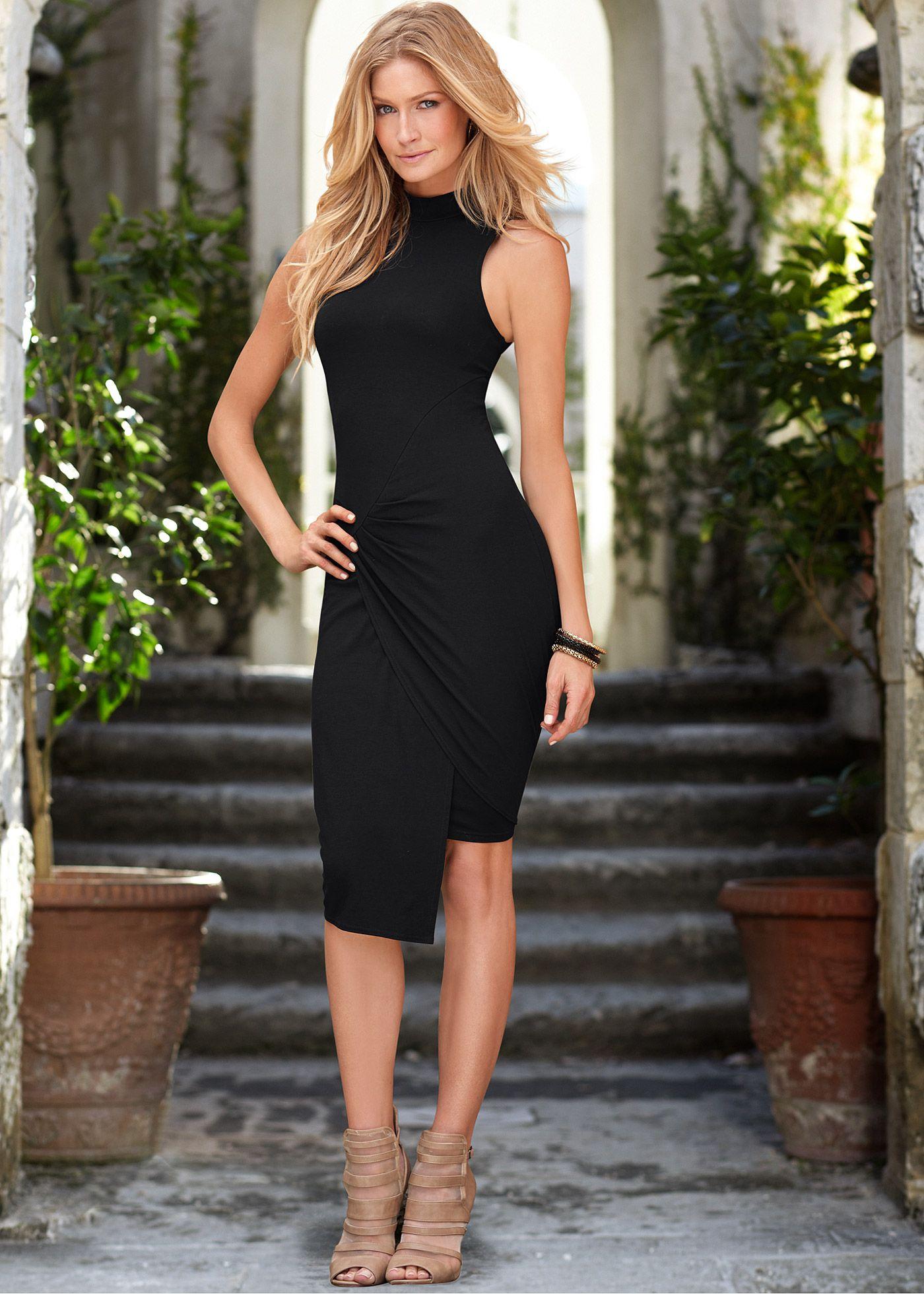 566b0d796 Vestido preto encomendar agora na loja on-line bonprix.de R$ 129,00 a  partir de Vestido sem mangas, possui elastano na composição para  proporcionar .