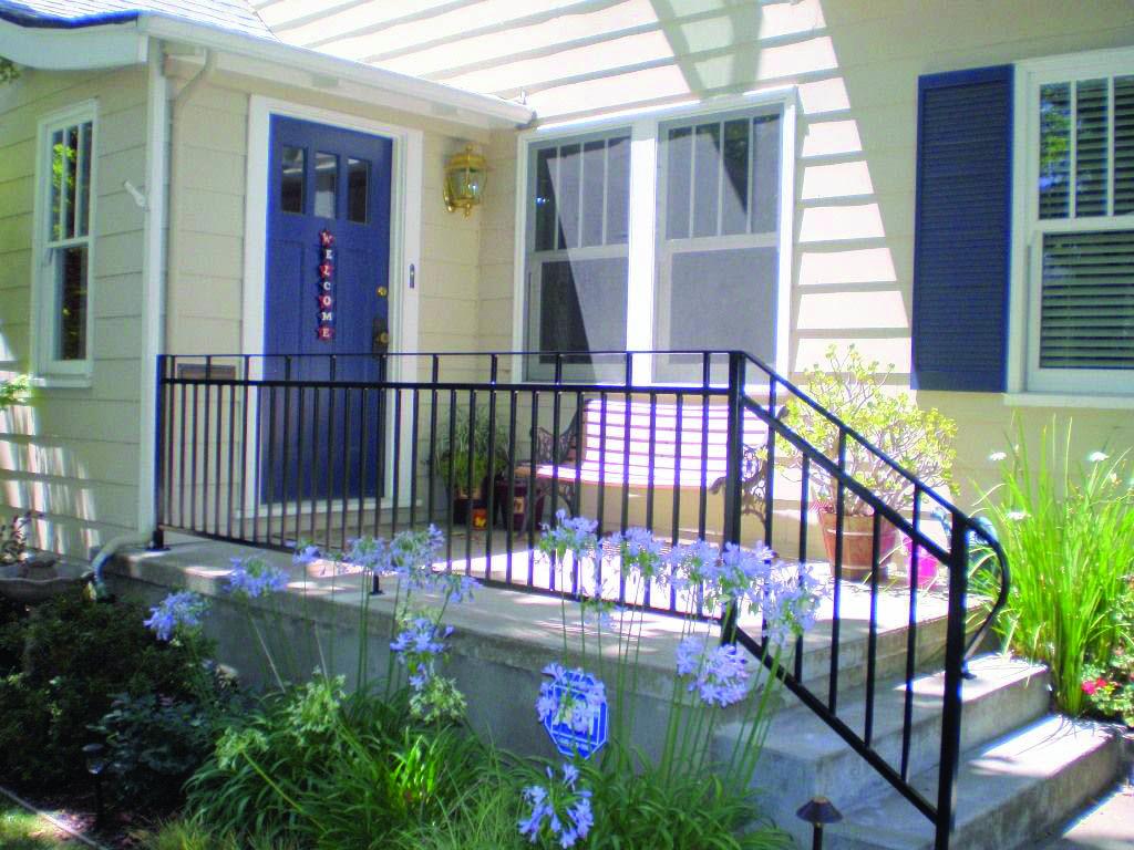 Deck Railing Tips Instances For Your House Homes Tre Wrought Iron Porch Railings Railing Design Porch Railing Designs