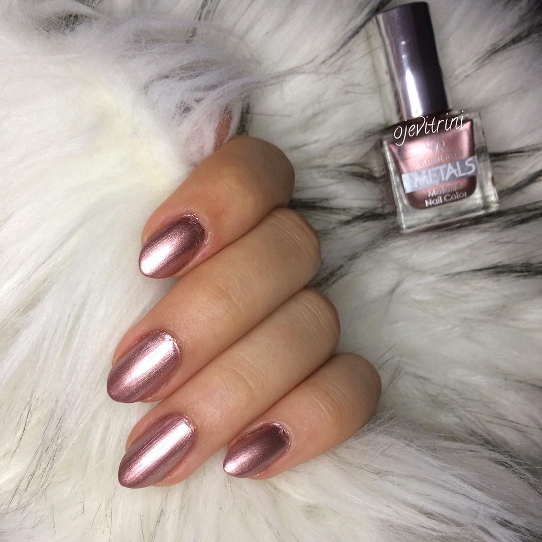"My Nails,beauty,instablogger© on Instagram: ""@goldenroseofficial  Metals 108 ✨ . . . . #ojesergisi #flormar #almondnails #gününojesi #nailartoohlala #ojeliellerim #coffee #ojeburda…"" #howtoapplybling"