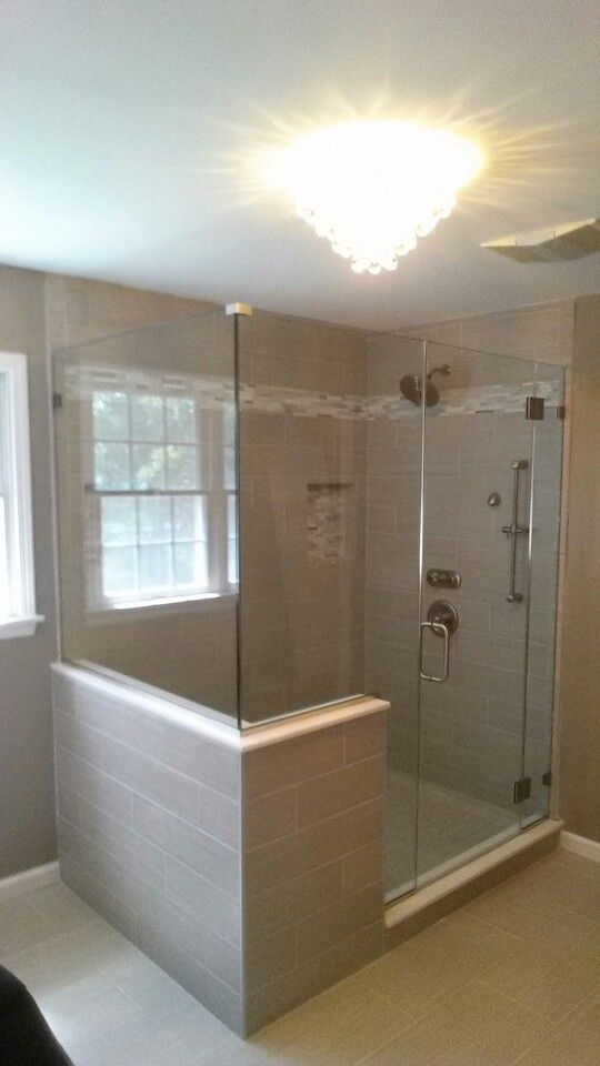 Sweet Frameless Shower It S A Panel Door Notch And Return With The Hinging Off Of Has Base Chanels Gl