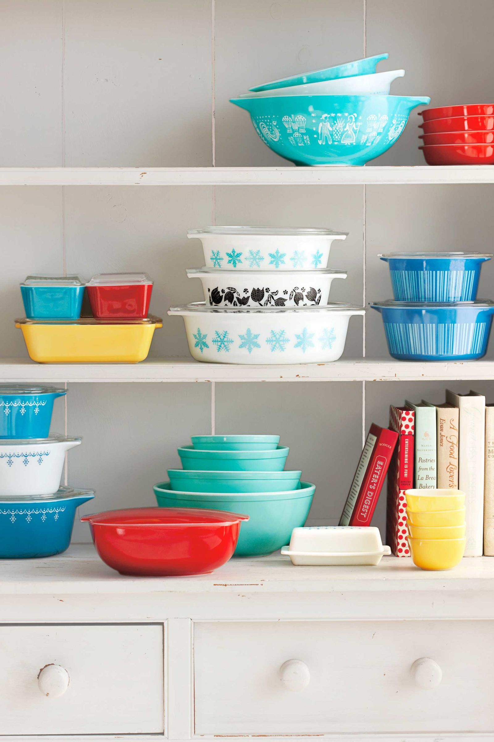 Pretty Bakeware & Storage Containers