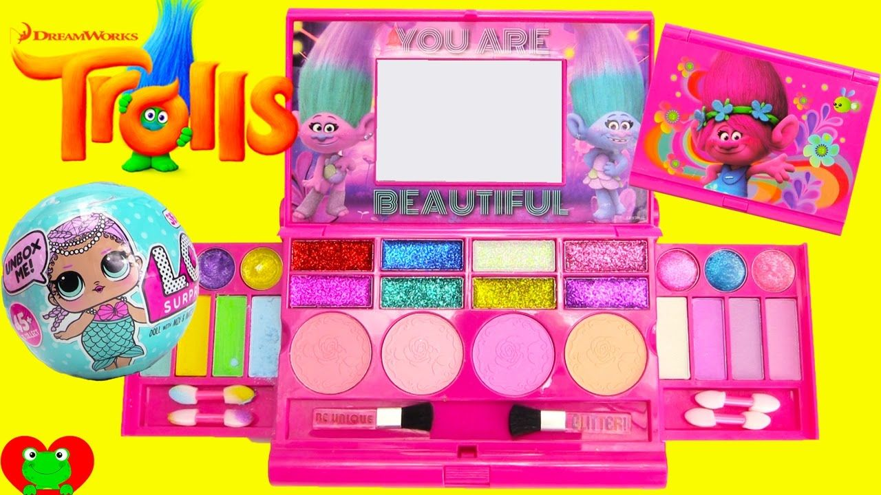 Trolls Poppy Glitter Glam Cosmetics Set with LOL Doll