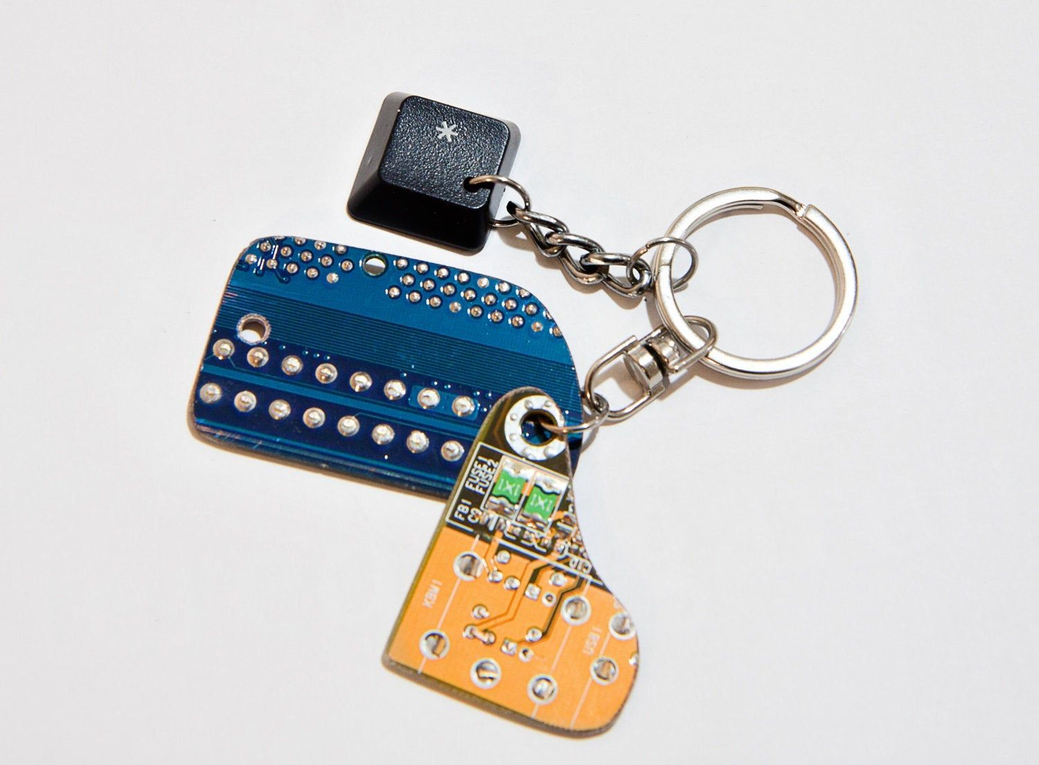 Guys keychain Circuit board Cool keyrings Techie gifts Geeky keychains Computer geek gifts Cpu keychain Recycled computer Motherboard gifts