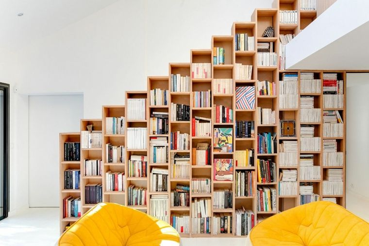Muebles para ahorrar espacio en una casa en París librero