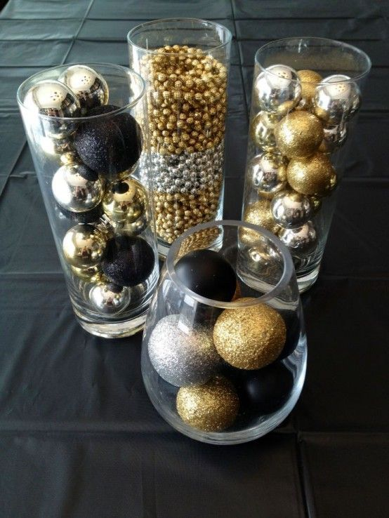 Glittering black and gold christmas decoration ideas for Deco table rose et noir
