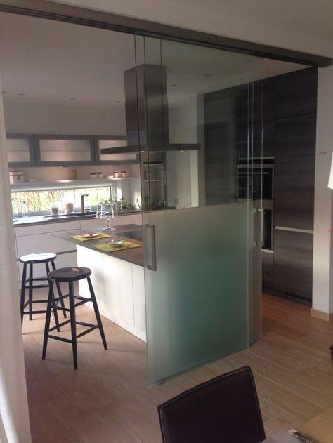 offene k che mit glasschiebet ren trennung wohnzimmer pinterest offene k che haus und. Black Bedroom Furniture Sets. Home Design Ideas