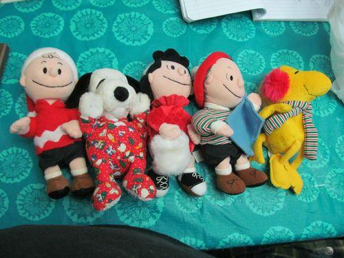 Lot of 5 Christmas Applause Kohls Peanut Gang