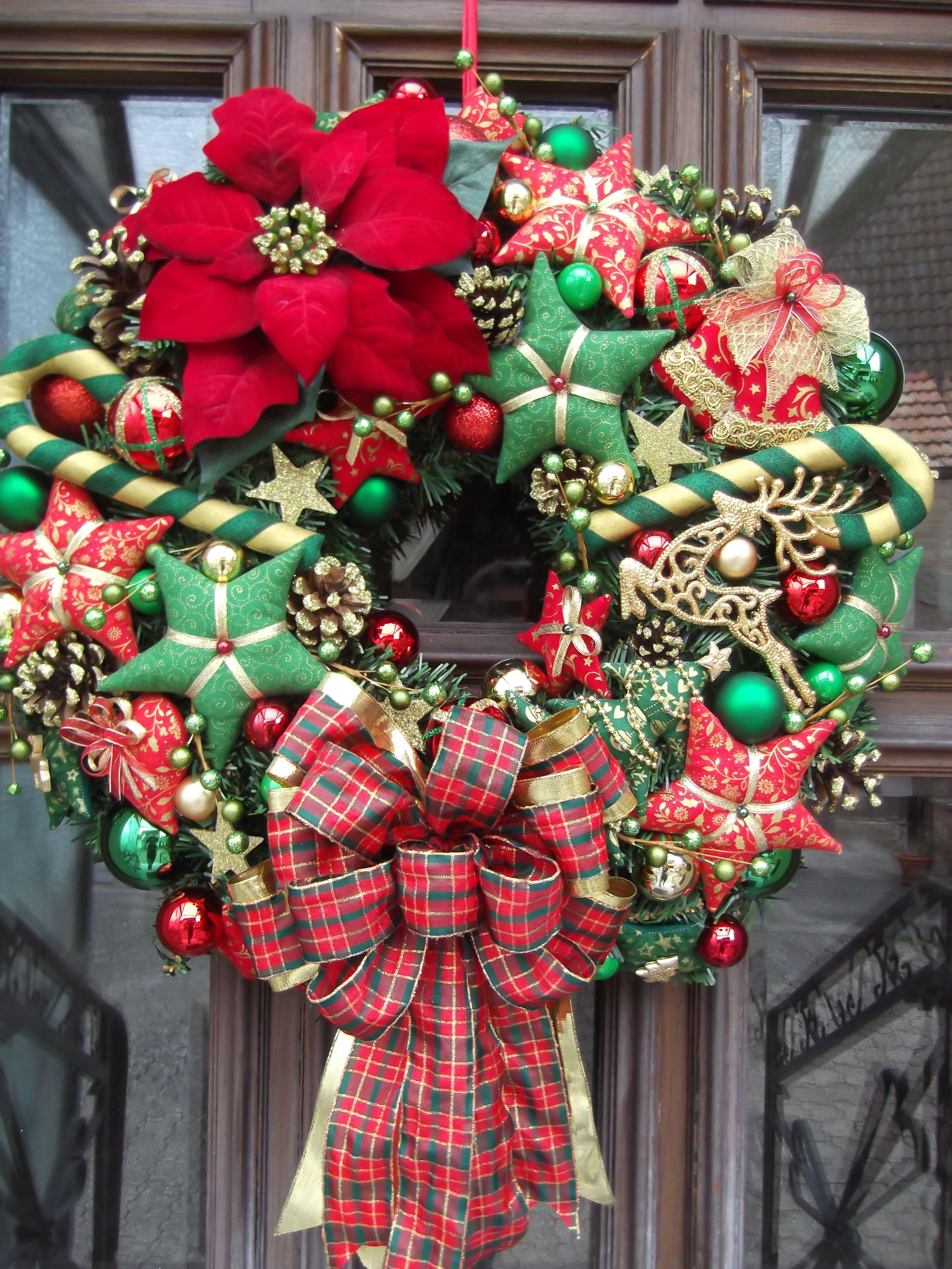 Weihnachtsdeko rot grun gold