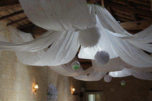 D co mariage voilage plafond voile d 39 hivernage pinterest deco mariage deco plafond for Voilage deco