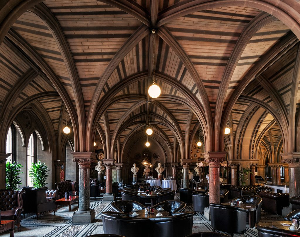 Statue Cafe Manchester Town Hall English Architecture Architecture