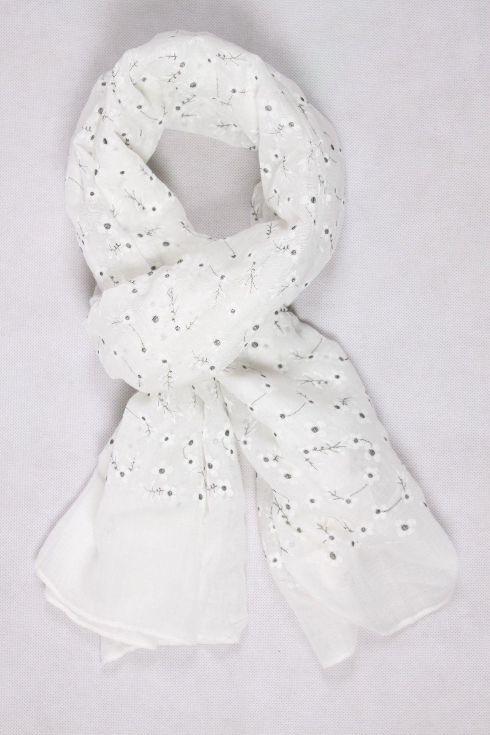 Chèche blanc avec des petites fleurs blanches   Chèche Femme ... 21dd71303af