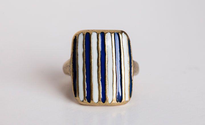 Striped ring. LOVE.