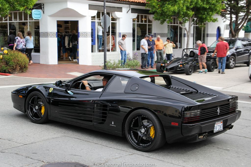 Black Ferrari Testarossa
