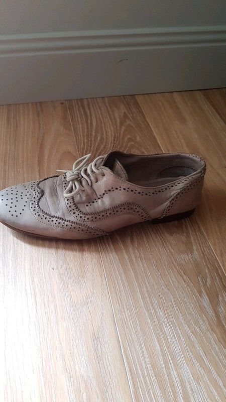 45aa6ed636e Derbies beige