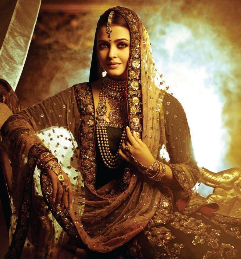 Aishwarya Rai pose   ---Neeraj bamania