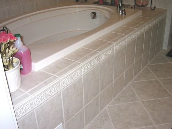Tile framed in tub? | Bathroom | Pinterest | Tubs, Bathtubs and ...