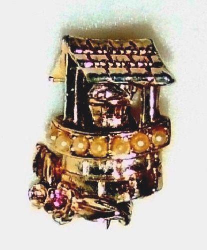 1321~Tiny Goldtone Rhinestone Faux Pearl Figural Wishing Well Brooch Pin**