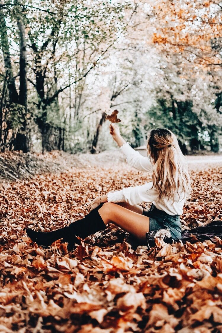 Instagram: @mycafeaulait #autumnleavesfalling
