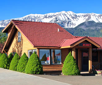 Indian Lodge Motel Lodging in Joseph Oregon, Wallowa