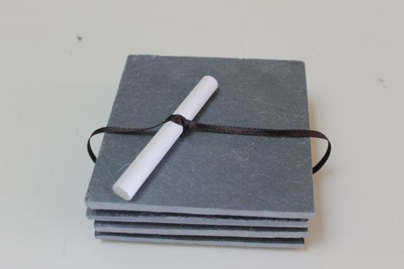 He encontrado este interesante anuncio de Etsy en https://www.etsy.com/es/listing/220207770/slate-coasters-set-of-four