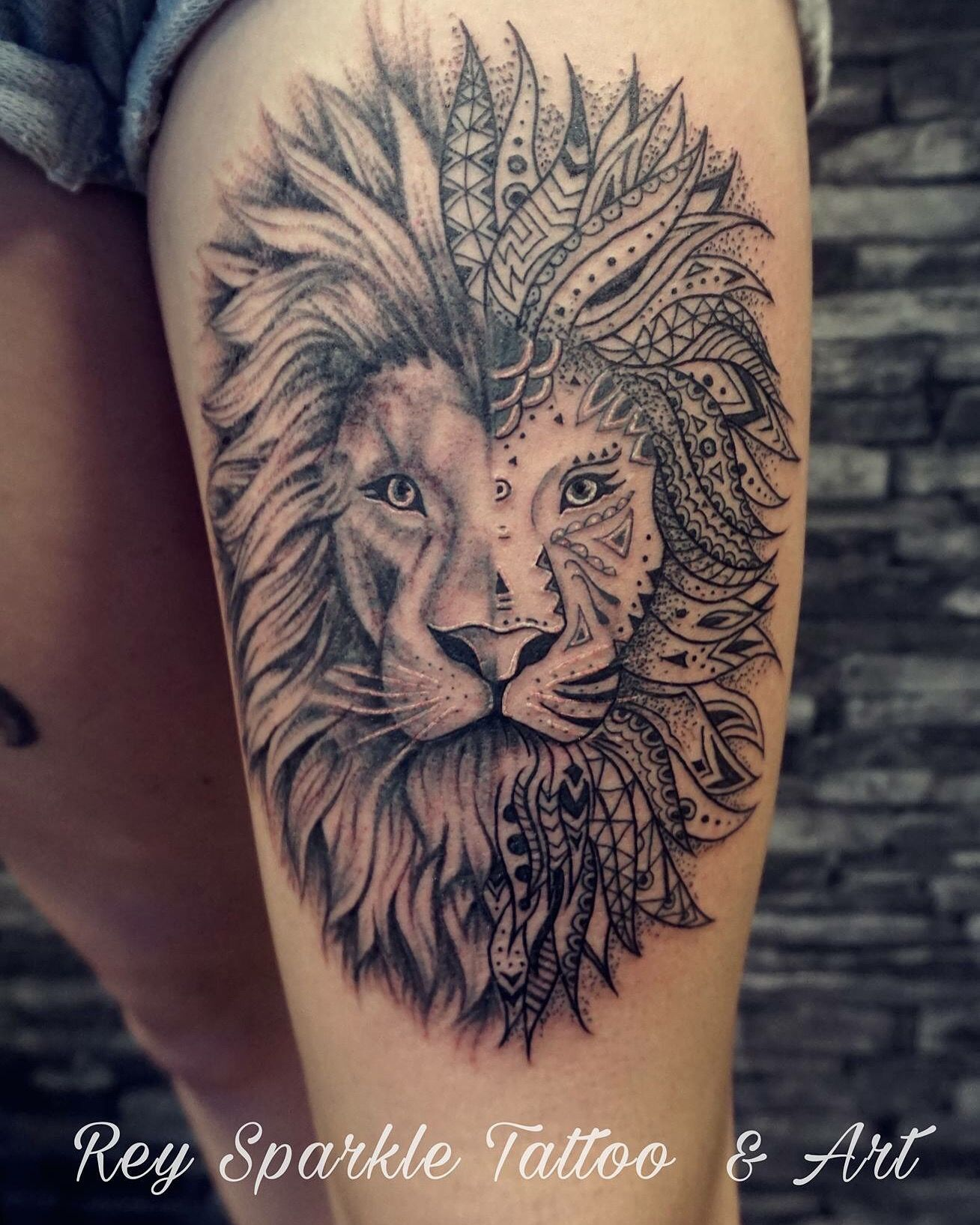 lion tattoo by rey sparkle art pinterest lions tattoo and tatting. Black Bedroom Furniture Sets. Home Design Ideas