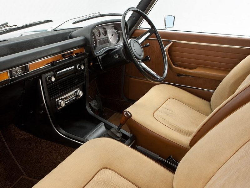 bmw 3 0 e3 si interior cars pinterest bmw toyota starlet and cars. Black Bedroom Furniture Sets. Home Design Ideas