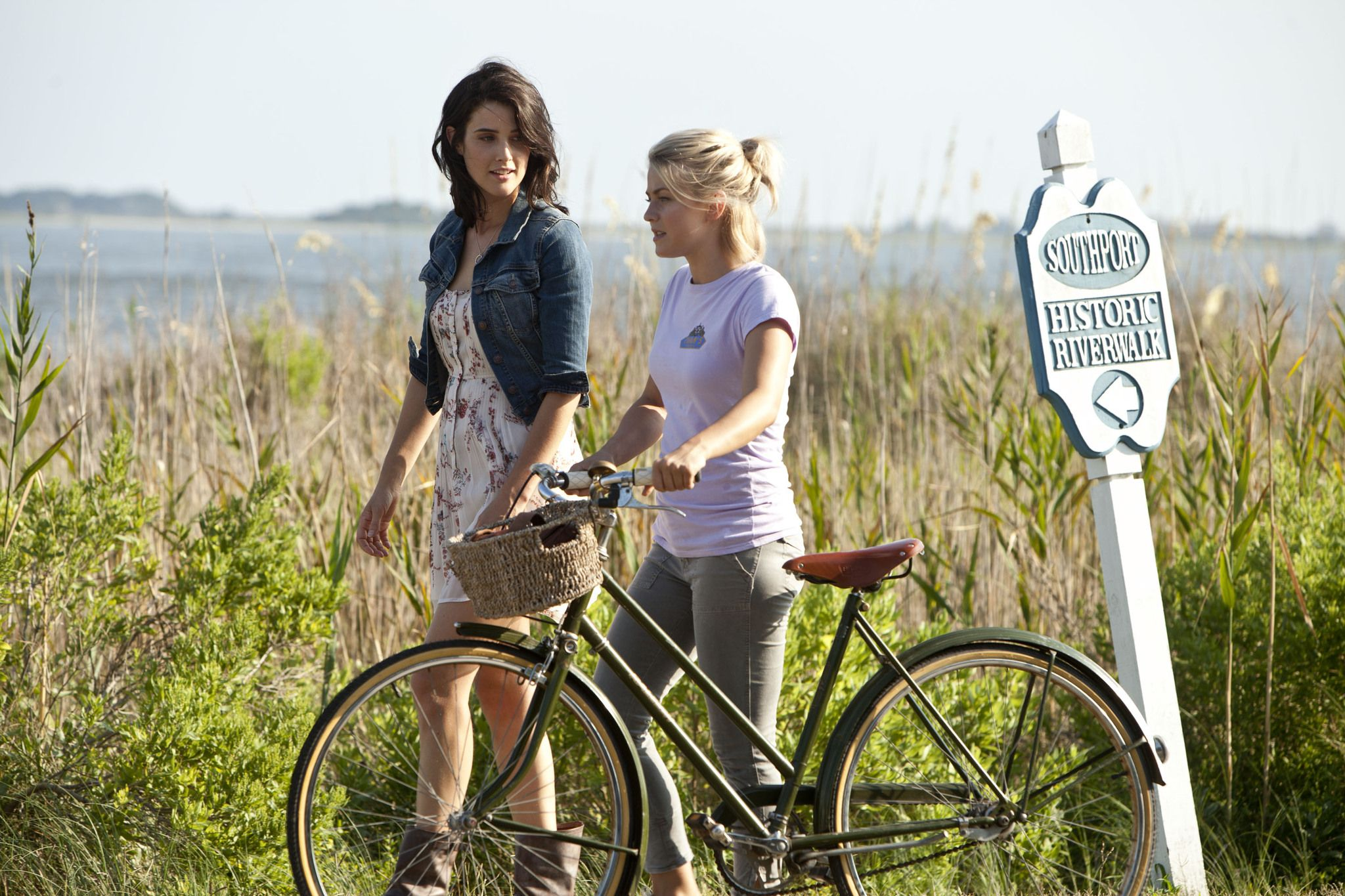 Pictures & Photos from Safe Haven IMDb