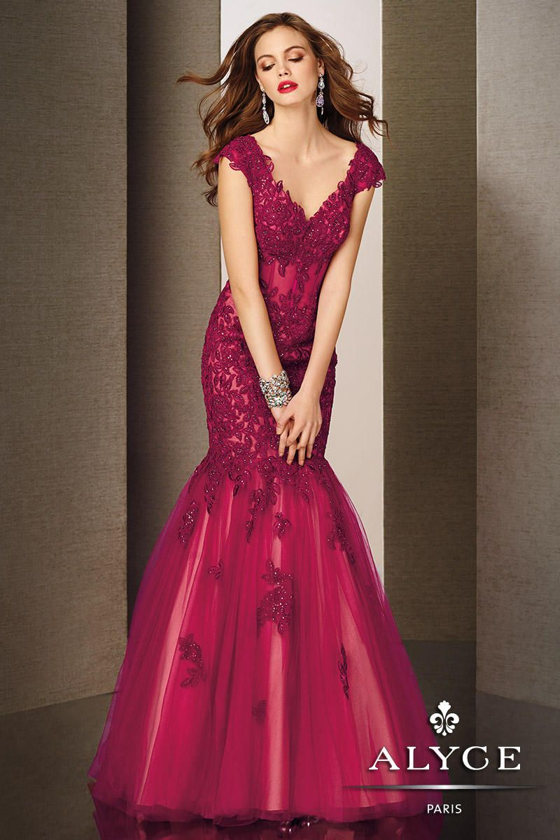 Taylor Red Lace Dress inspired by Taylor Swift. Beautiful