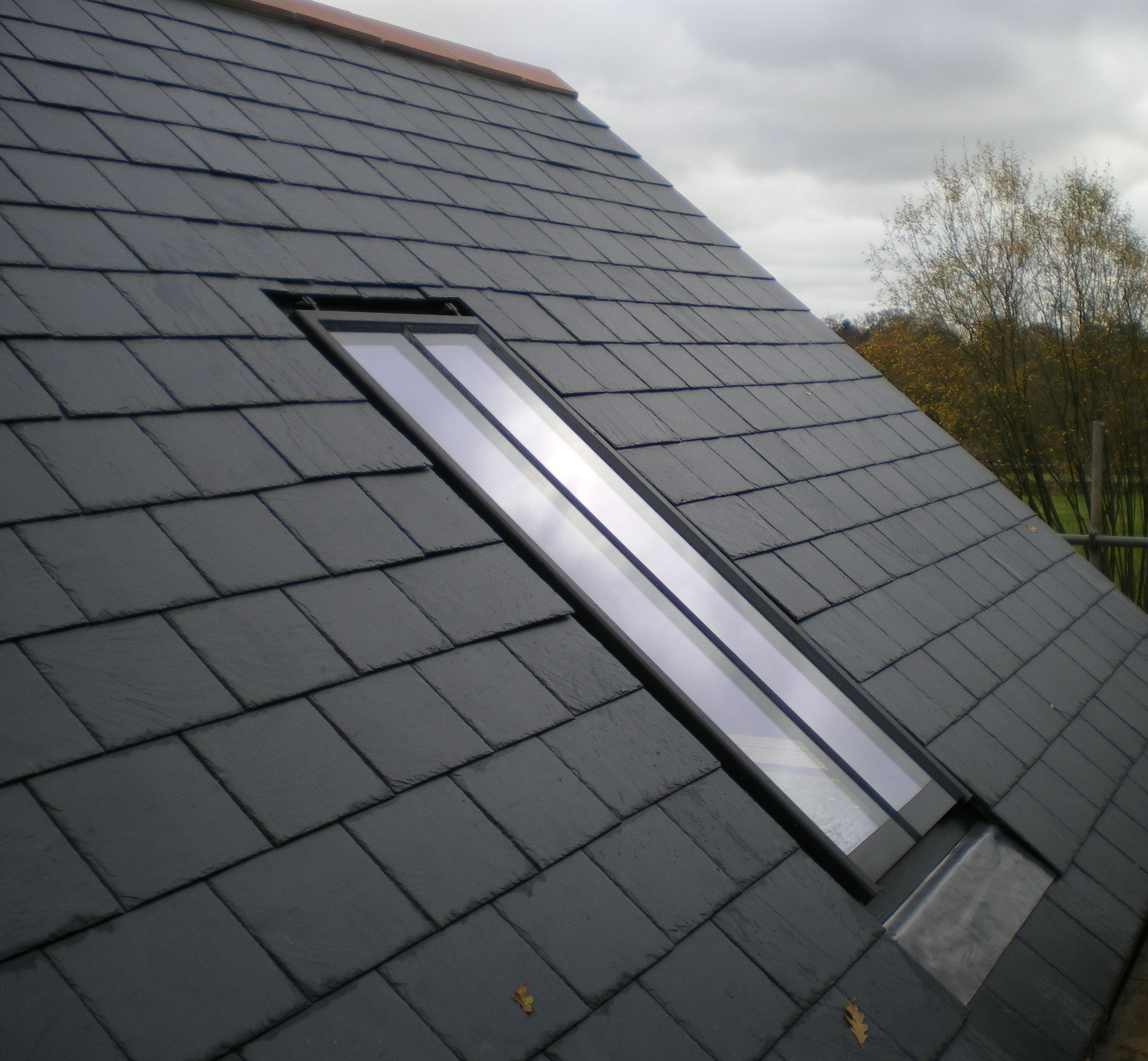 A Clement Conservation Rooflight In A Slate Roof Just Look How Flush It Lies Inkeeping With The Character Of The Home Skylight Metal Doors Exterior Roof Light