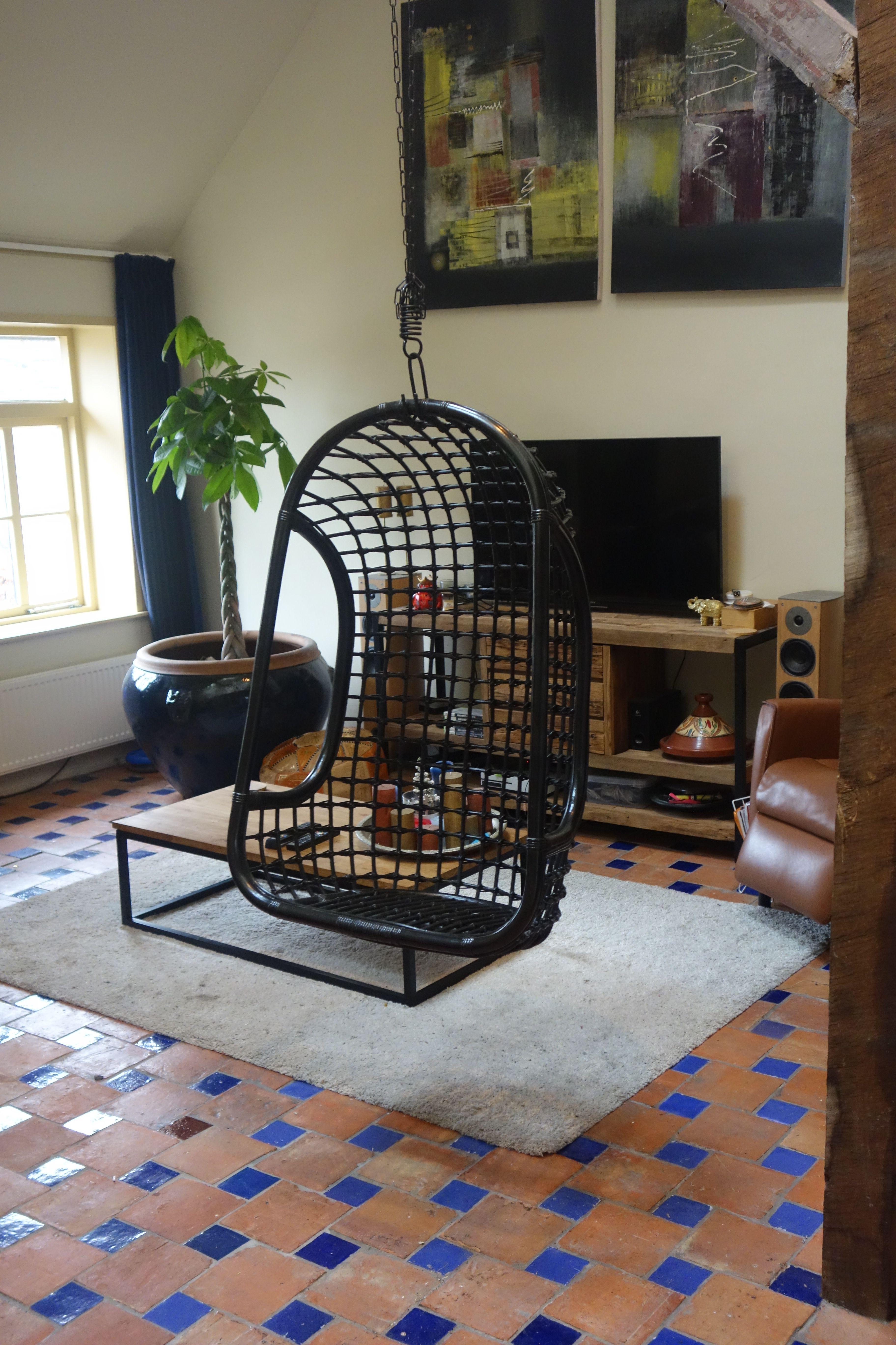 Hangstoel Rotan Buiten.Leuke Hangstoel Van Rotan Rotan Is Een Natuurlijk Materiaal En Een